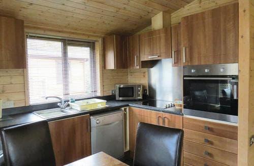 Big Cottages - Quaint Matlock Lodge S112448