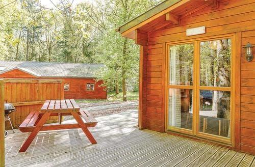 Last Minute Cottages - Cosy Ellesmere Lodge S112466
