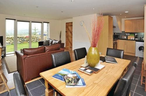 Last Minute Cottages - Beautiful Bala Lodge S112492