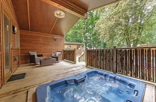 Last Minute Cottages - Excellent Cotswolds Lodge S112500