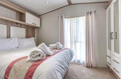 Big Cottages - Adorable Newquay Lodge S112666