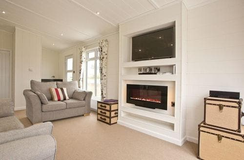 Last Minute Cottages - Perranporth Premier Lodge