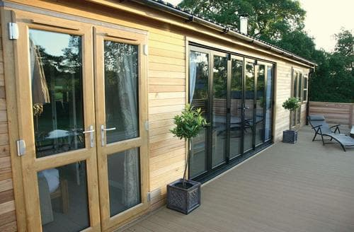 Last Minute Cottages - Superb Cullompton Lodge S112805