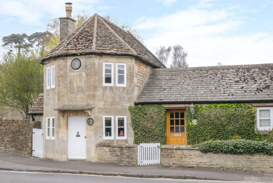 - Pike Cottage
