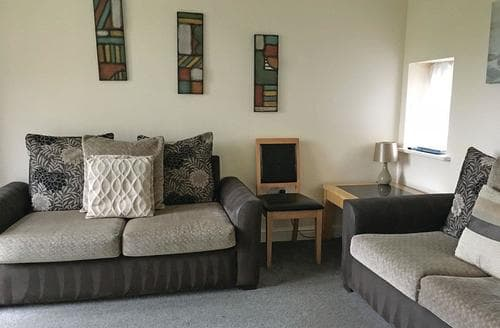 Last Minute Cottages - Delightful Oakham  Lodge S112827