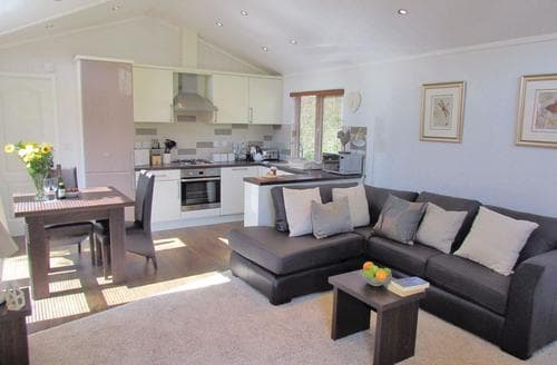Last Minute Cottages - Cosy Narberth Lodge S112830