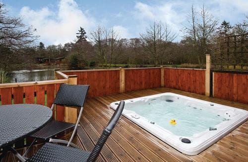 Last Minute Cottages - Superb Hopton Heath Lodge S112847