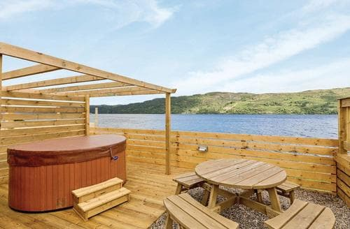 Last Minute Cottages - Lovely Invermoriston Lodge S112878