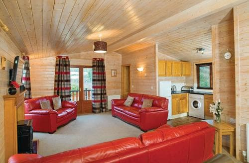 Last Minute Cottages - Beautiful Blairgowrie Lodge S112908