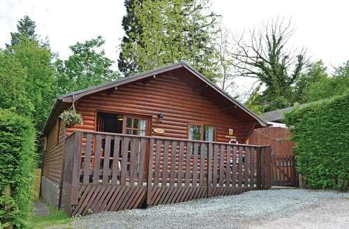 Last Minute Cottages - Beautiful Bron Y Garth Lodge S112928