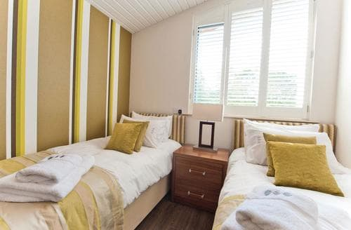 Last Minute Cottages - Superb Perlethorpe Lodge S112931