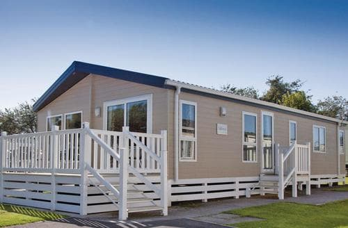 Last Minute Cottages - Inviting Brean Sands  Lodge S112940