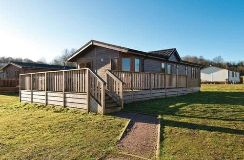 Last Minute Cottages - Cosy Woodham Walter Lodge S112957