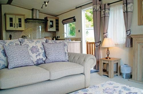 Big Cottages - Cosy Inveruglas Lodge S112966