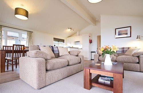 Last Minute Cottages - Splendid Carnmenellis Lodge S112968