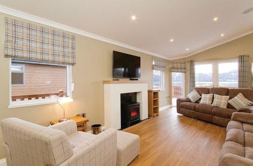 Last Minute Cottages - Delightful Inveruglas Lodge S112974