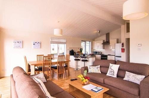 Last Minute Cottages - Tasteful Carnmenellis Lodge S112979