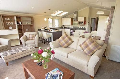 Last Minute Cottages - Gorgeous Pershore Lodge S113020