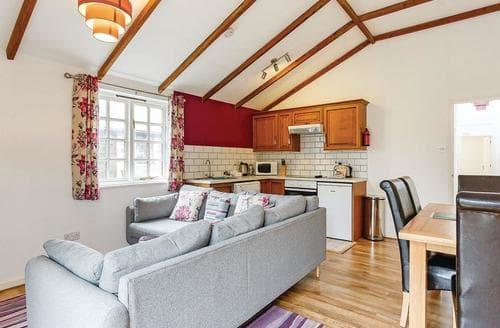 Last Minute Cottages - Wonderful St Tudy Lodge S113051
