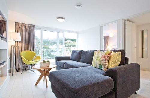 Last Minute Cottages - Luxury Millendreath Lodge S113059
