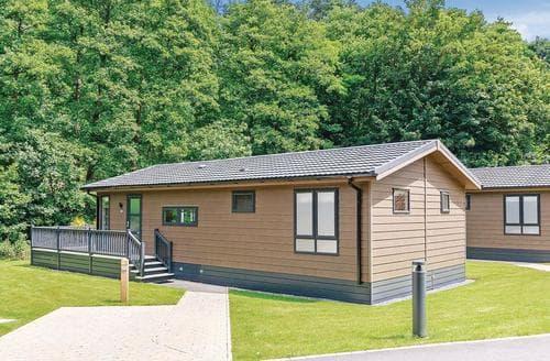 Last Minute Cottages - Luxury Newton Saint Loe Lodge S113113