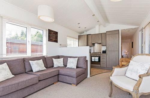 Last Minute Cottages - Stunning Invermoriston Lodge S113151