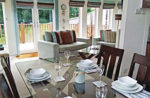 Last Minute Cottages - Tasteful Tintagel Lodge S113179