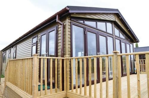 Last Minute Cottages - Superb Overseal Lodge S113190
