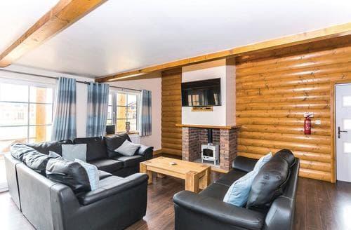Last Minute Cottages - Wonderful Hornsea Lodge S113208