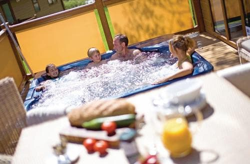 Last Minute Cottages - Luxury Cheddar Lodge S113233