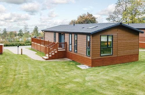 Last Minute Cottages - Quaint Cheddar Lodge S113237
