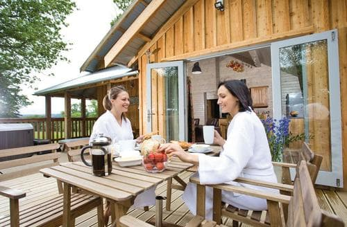 Last Minute Cottages - Charming Henlle Lodge S113263