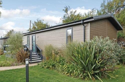 Last Minute Cottages - Attractive Mullion Cove Lodge S113266