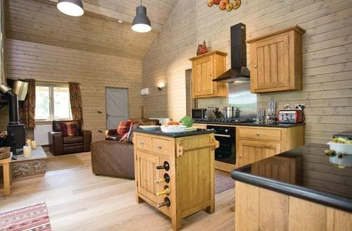 Last Minute Cottages - Inviting Henlle Lodge S113271