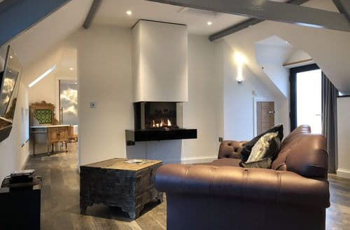 Last Minute Cottages - Wooldown Holiday Cottages   Sun Seeker S113468