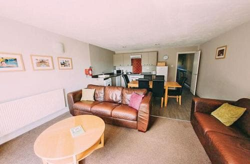 Big Cottages - Cosy Wrea Green Lodge S113479