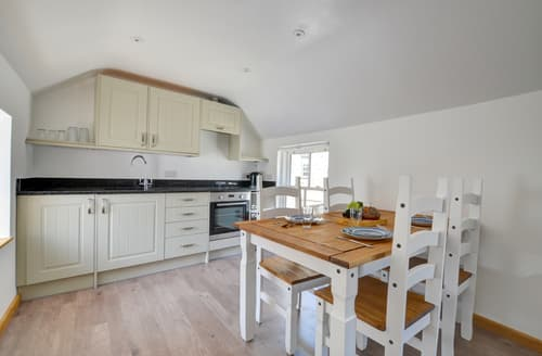 Last Minute Cottages - Captivating Dolgellau Apartment S113604