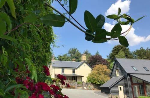 Last Minute Cottages - Garth Country House
