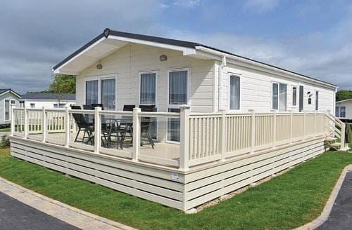 Big Cottages - Luxury New Milton Lodge S113809