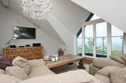 Last Minute Cottages - Attractive St Ives Apartment S113825