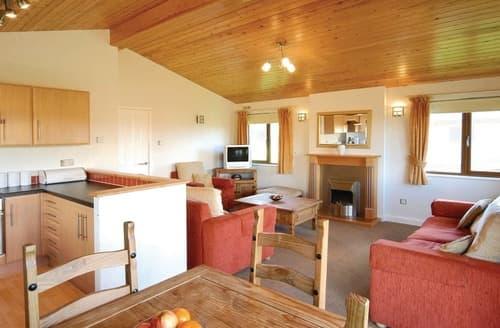 Last Minute Cottages - Adorable Rock Lodge S113899