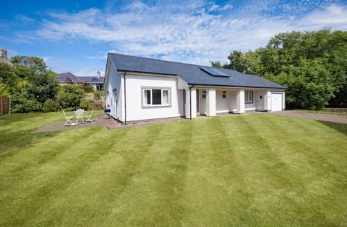 Last Minute Cottages - Adorable Llanbedrog Cottage S113974
