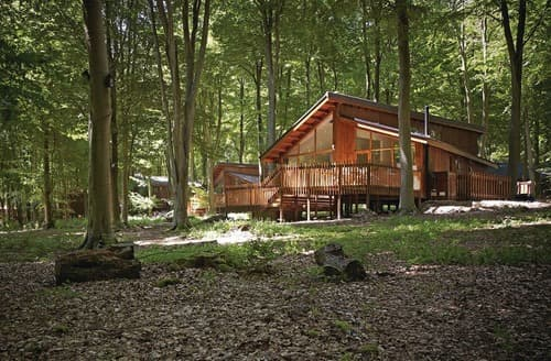 Last Minute Cottages - Superb Micheldever Lodge S114027