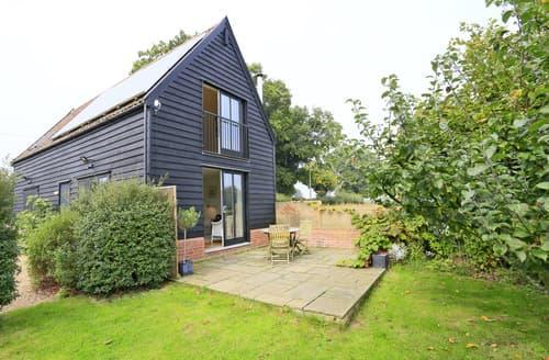 Last Minute Cottages - Acorn Barn