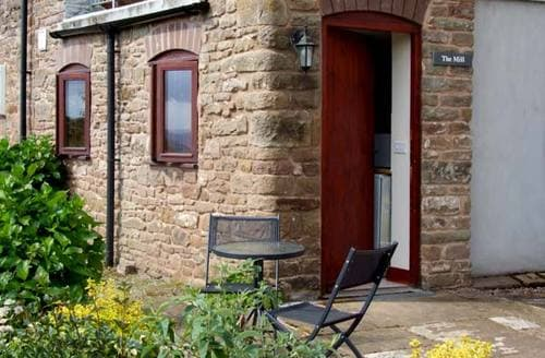 Last Minute Cottages - Adorable  Mill S2294