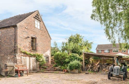 Last Minute Cottages - Captivating Trentham Cottage S114413