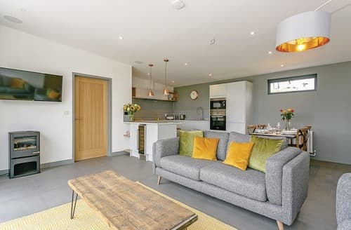 Last Minute Cottages - Stunning Lewes Lodge S114629