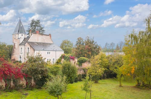 Last Minute Cottages - Chateau Alarie
