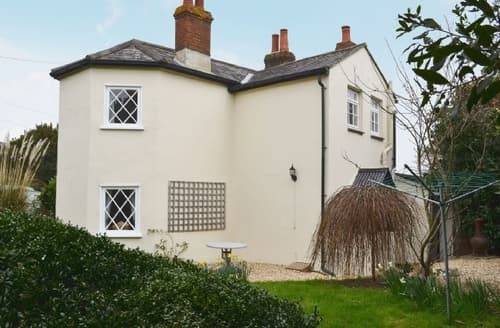 Last Minute Cottages - Superb Newport Cottage S25883