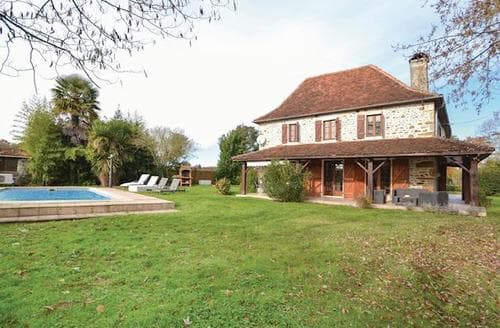 Last Minute Cottages - Wonderful Mirande Cottage S117898